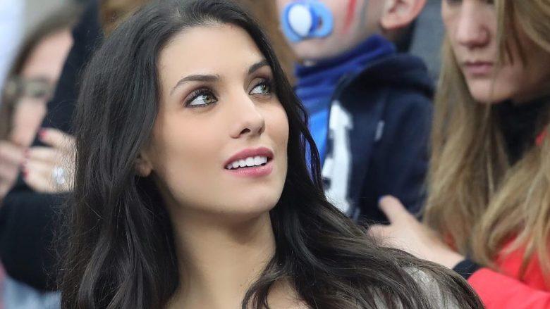 Pa pasur nevojë të zhvishet, Ludivine Kadri quhet mbretëresha e tribunave në futbollin italian