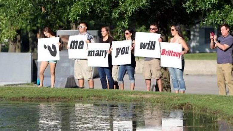 Propozimet absurde për martesë, që vështirë të kenë marrë përgjigje pozitive (Foto)