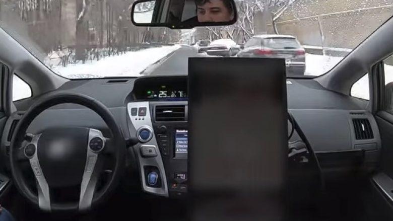 Njihuni me taksinë që ecën vetë, edhe në borë (Video)