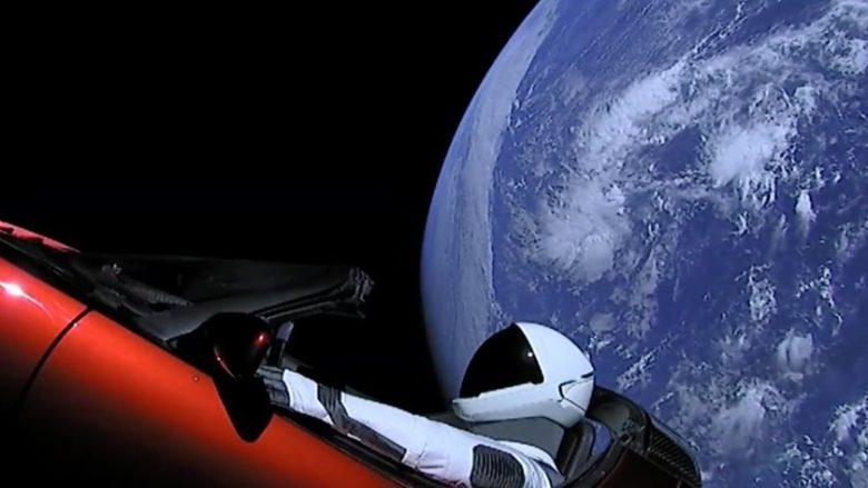 Tesla Roadster e nisur drejt Marsit, do të dëmtohet nga rrezatimi radioaktiv brenda një viti (Foto)