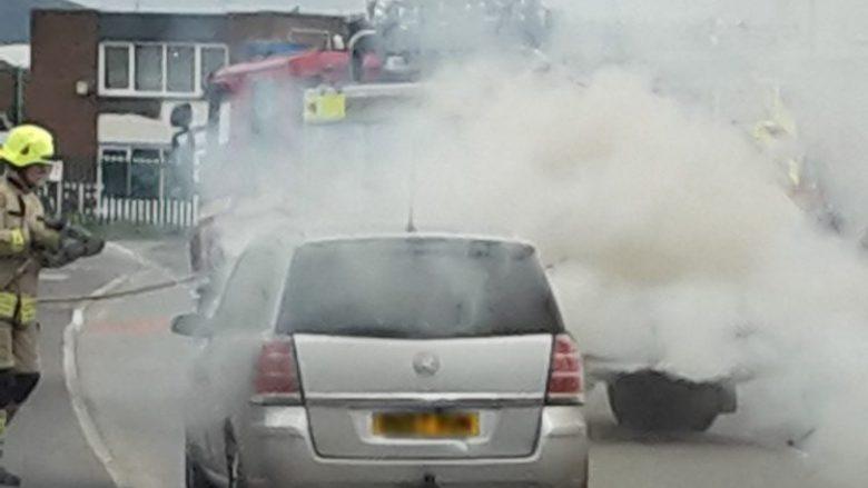 Vetura që digjej e la me lëndime, kërkon gjysmë milion euro kompensim nga Vauxhall (Foto)