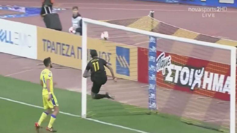 Araujo i AEK-ut në mënyrë të pabesueshme huqë në portën e zbrazur teksa topi po kalonte vijën fatale (Video)