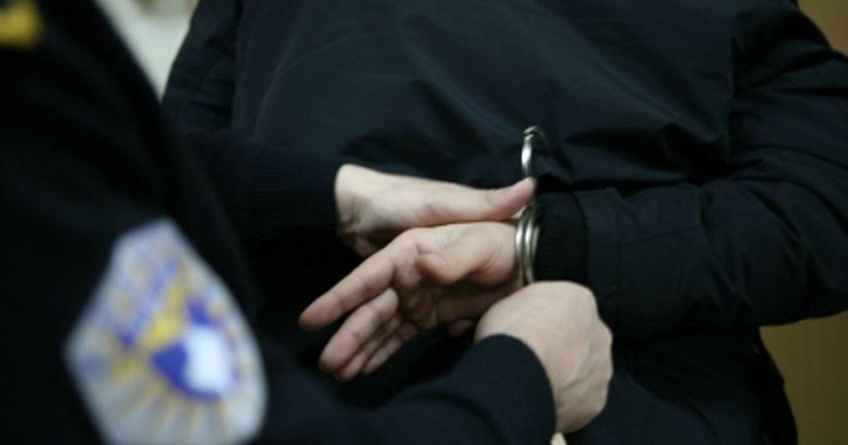 Një shqiptar dhe një serb arrestohen për ryshfet