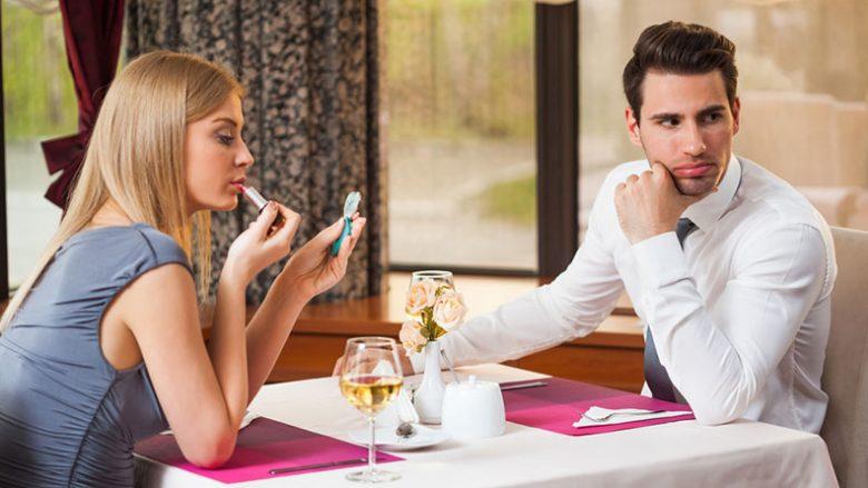 Çfarë të bëni nëse e keni dreqosur fare dhe s'keni planifikuar asgjë për Shën Valentin