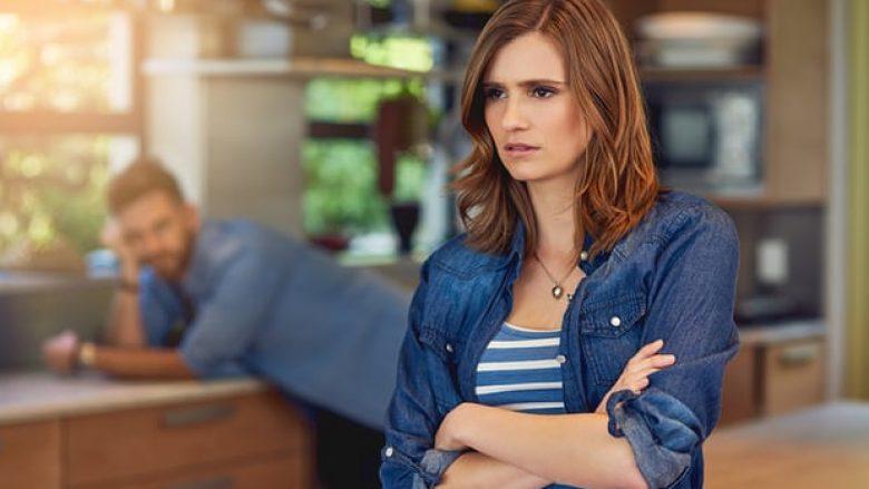 Fjalosja, e mirë për lidhjen dashurore: Çiftet që fjalosen janë më të lumtur dhe nuk ndahen
