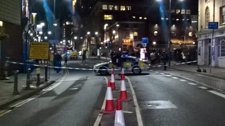 Shpërthim në Birmingham: Qendra e qytetit evakuohet, policë 'kudo' pas 'shpërthimit të zhurmshëm' (Foto/Video)