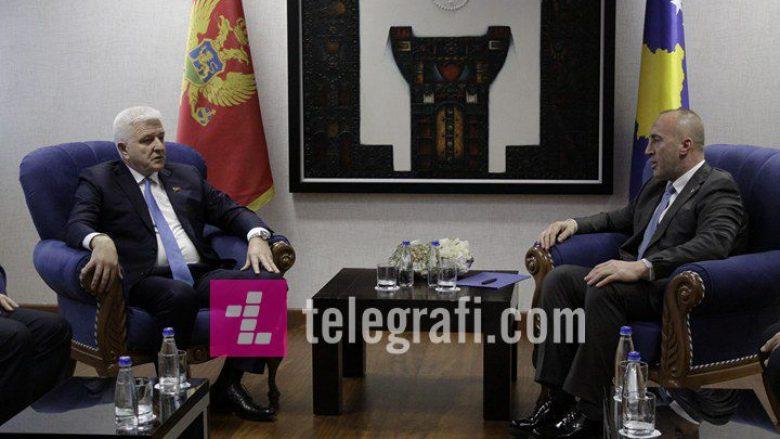 Kryeministri Haradinaj dhe kryeministri malazez Markoviq, po zhvillojnë takim prapa dyerve të mbyllura (Foto)