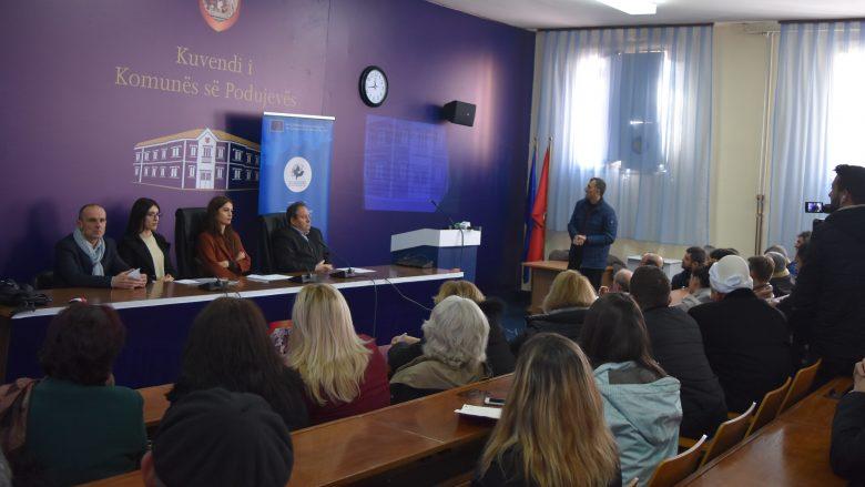 Qytetarët e Podujevës informohen për grantet e MZHR-së