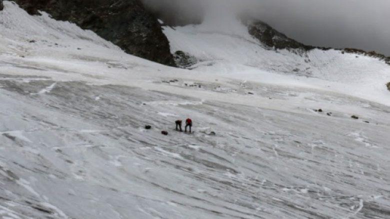 Zvicër, 12 persona të zhdukur nga orteku