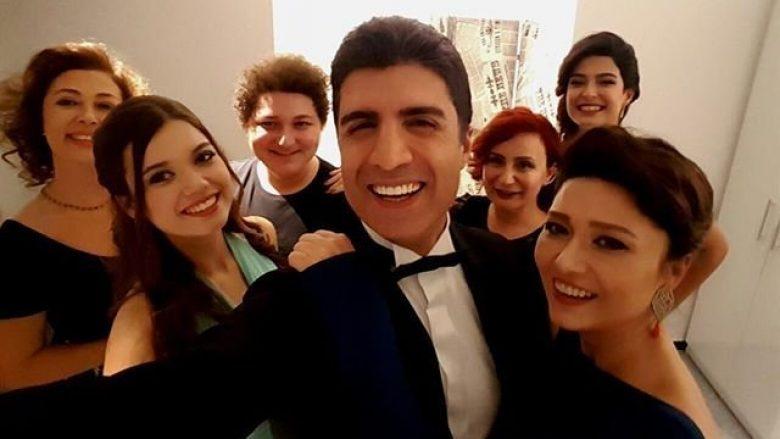 """""""Egje"""" e """"Fazilet hanim ve kizlari"""": Nuk jam në lidhje me Ozcan Denizin, atë e kam vetëm menaxher"""