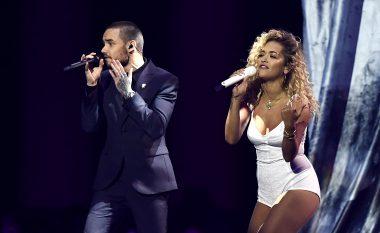 Rita Ora shkëlqen duke performuar tri këngë në Brit Awards