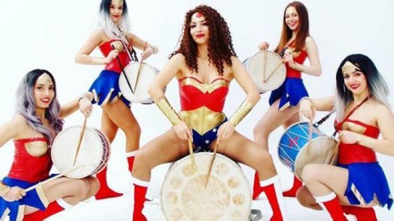 """Rovena Stefa vjen si """"superwoman"""" në këngën e re """"Unaza"""""""