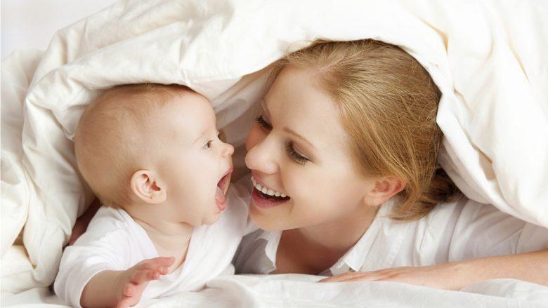 """Si thonë bebet """"Të dua""""?"""