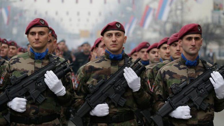 Policia serbe në Bosnjë blen 2500 pushkë automatike, shqetësime rreth ndikimit të Rusisë në rajon