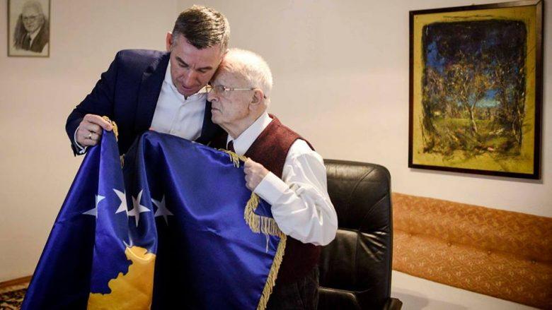 Veseli viziton Demaçin, e uron për 10-vjetorin e pavarësisë (Foto)