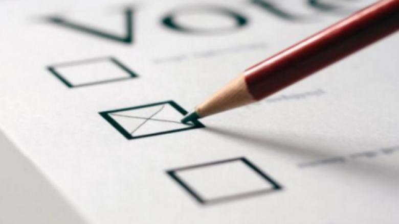 A e dini pse në Britani votojnë me laps?