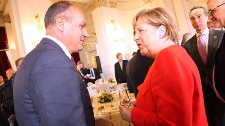 Hoxhaj uron Merkel për mandatin e katërt si kancelare e Gjermanisë