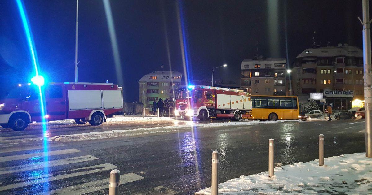 Reshjet e borës   Autobusi i trafikut urban del jashtë rrugës