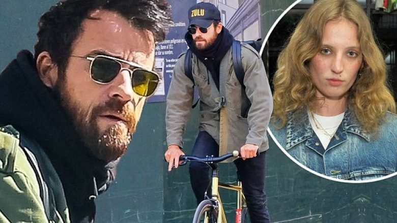 NEW YORK, NY - MARCH 15:  Actor Justin Theroux is seen biking in Soho  on March 15, 2018 in New York City.  (Photo by Raymond Hall/GC Images)