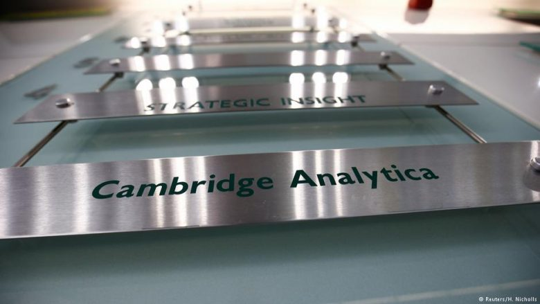 Skandali i Facebook-ut dhe Cambridge Analytica