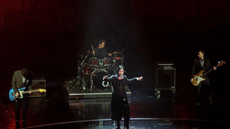 """""""The Cranberries"""" do të publikojnë albumin e fundit me vokalin e Dolores O'Riordan"""