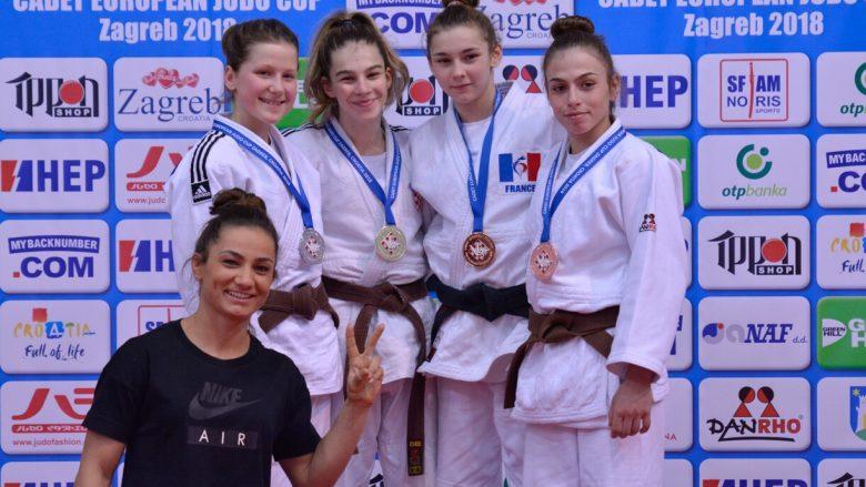 Erza Muminoviq e fiton medaljen e bronztë në Zagreb, Kuka: Erza e vogël po bëhet e madhe