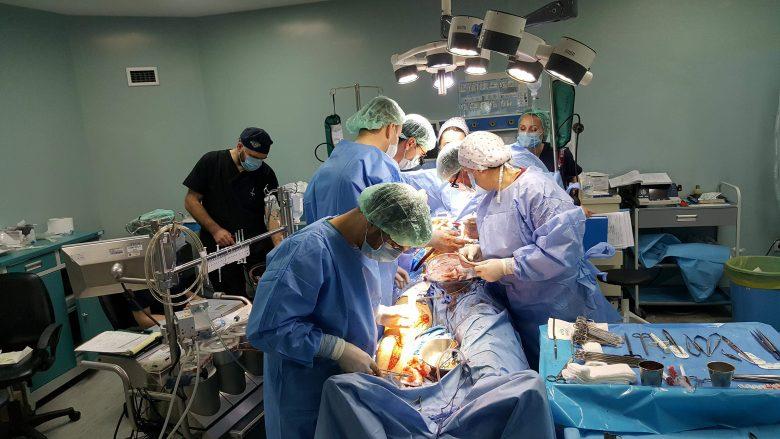 Në QKUK kryhen dy operacione të rënda në zemër