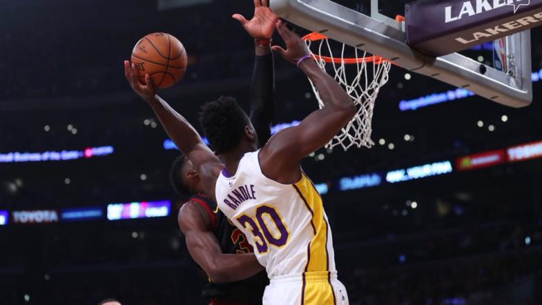 Lakers rikthehen te fitorja, mposhtin lehtësisht Clevelandin
