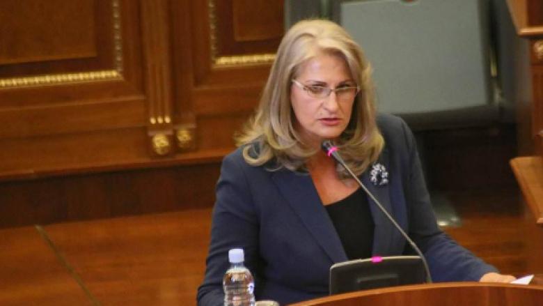 Deputetja e AAK-së flet në Kuvend për mungesën e një gjinekologu në Dragash