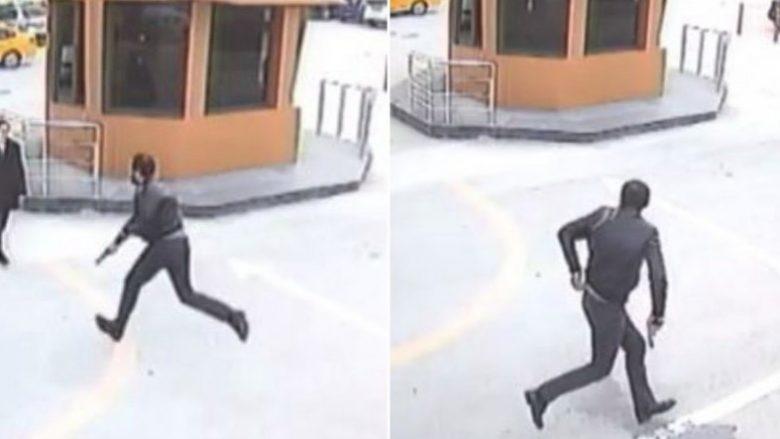Momenti kur 37-vjeçari ekzekuton të atin biznesmen, në mes të ditës – në Mersin të Turqisë (Video)