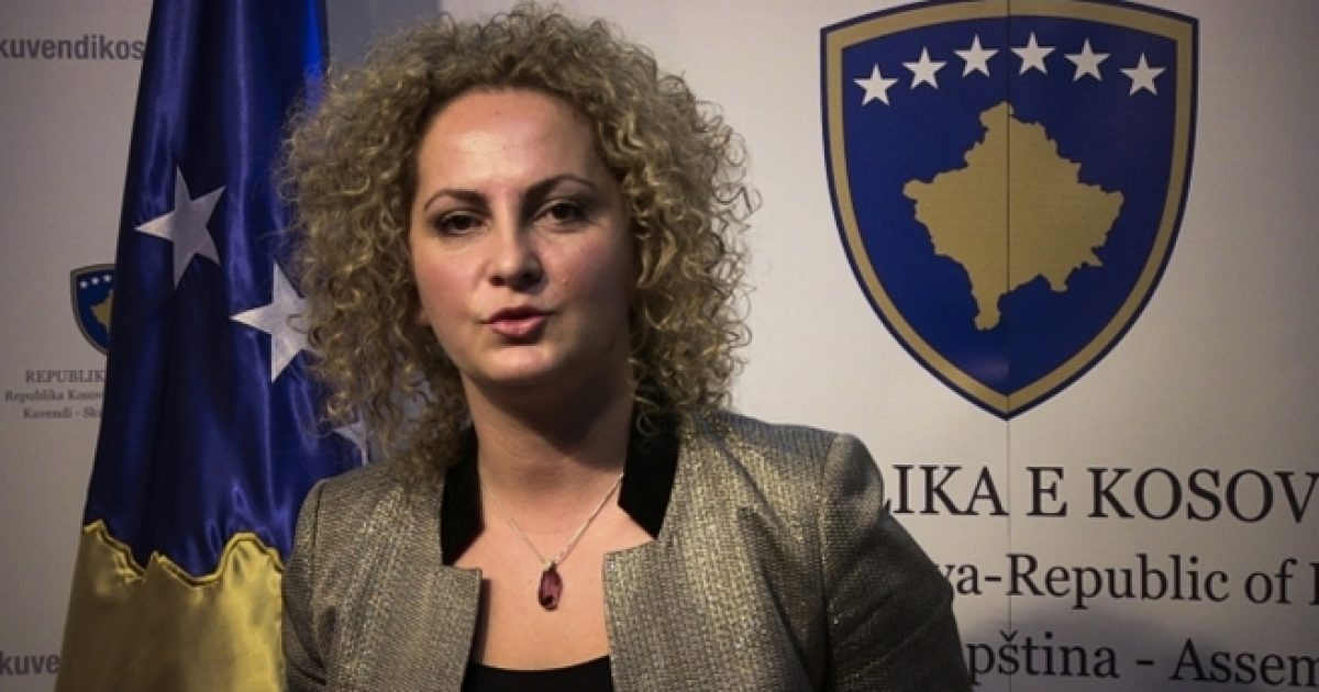 Donika Kadaj Bujupi thotë se u fye nga Albulena Haxhiu pas largimit nga Vetëvendosje