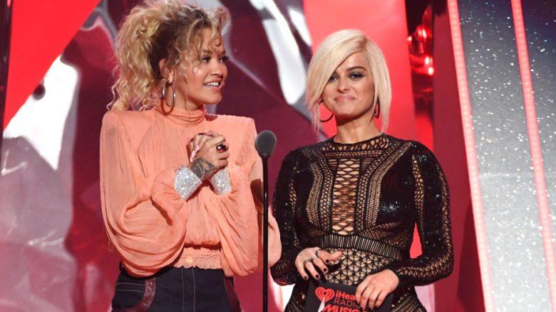 Rita dhe Bebe ndanë çmimin për bashkëpunimin më të mirë në iHeartRadio, ndërsa vazhdon të flitet për një duet mes tyre