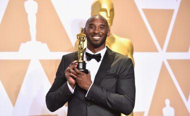 Edhe pse i akuzuar për ngacmime seksuale, Kobe Bryant arriti të fitojë një çmim 'Oscar' në mbrëmjen e Akademisë