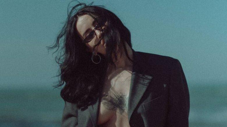 Dafina Zeqiri publikon një imazh atraktiv me bikini