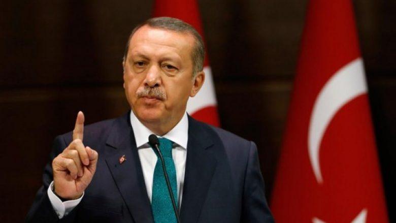 Erdogan deklarata provokuese ndaj Greqisë: Shpëtuat sepse u hodhët në det