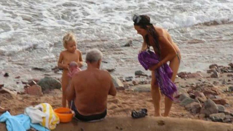 Momenti i pabesueshëm kur një turiste lind beben në det – thuhet se gjithçka ishte e përgatitur më parë! (Foto)