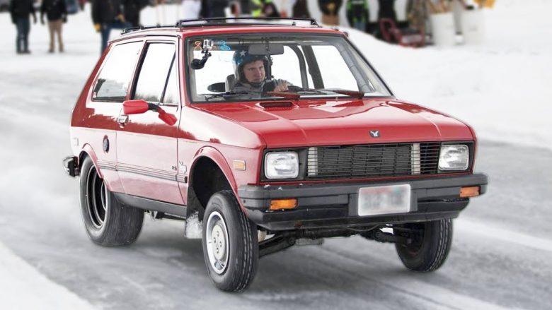 Amerikanët eksperimentojnë me Yugo-n, e bëjnë të aftë të lëvizë deri mbi 100km/h – edhe në akull e borë (Video)