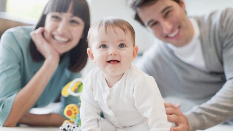 Fëmijët e trashëgojnë fjalorin nga babai, shqiptimin nga nëna