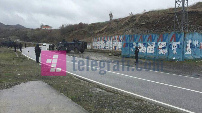 Njësitë Speciale pozicionohen në pikat strategjike në veri (Foto/Video)