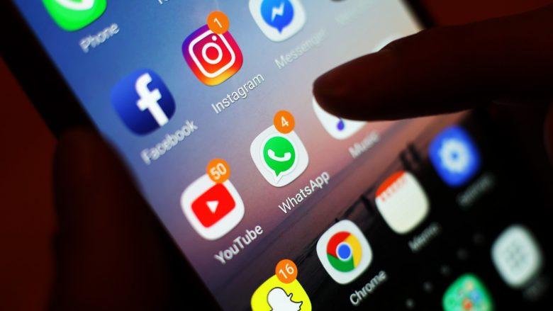 Studimi: Kufizimi i kohës në rrjetet sociale për 10 minuta në ditë rrit lumturinë