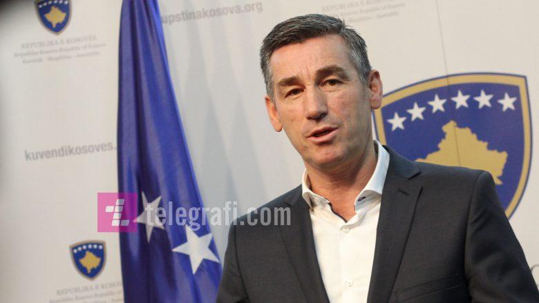 Veseli uron miratimin e Ligjit për gjuhët në Maqedoni