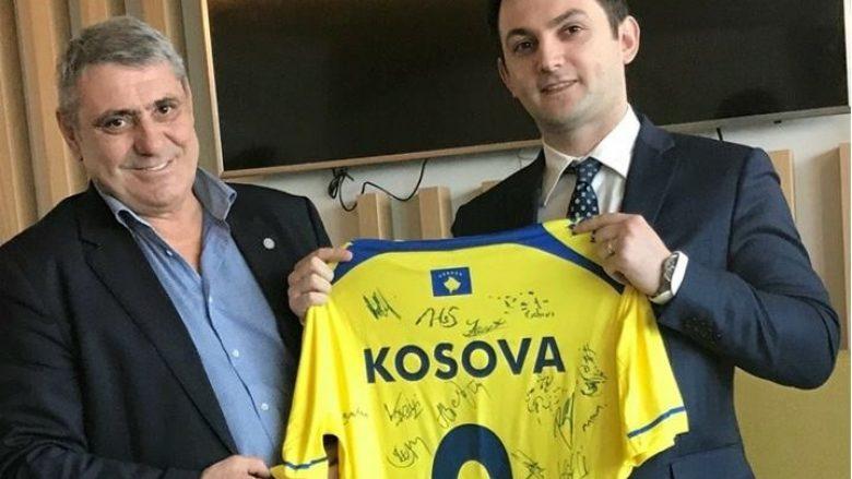 Ambasadori Qëndrim Gashi viziton Përfaqësuesen e Kosovës në Francë