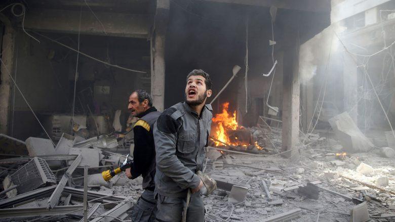 Konflikti në Siri hyn në vitin e tetë, mbi 350,000 njerëz të vrarë