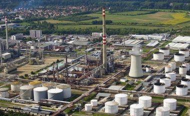 Shpërthim në një impiant kimik në Republikën Çeke, flitet për gjashtë të vdekur (Foto)