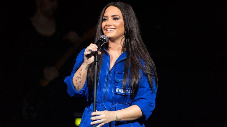 Lovato tregon strijat, celulitin dhe peshën e tepërt: Duhet ta doni veten ashtu si jeni