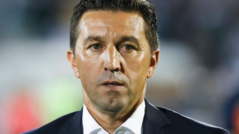BELGRADE, SERBIA - JULY 25: Head coach Besnik Hasi of Olympiacos looks on prior the UEFA Champions League Qualifying match between FC Partizan and Olympiacos on July 25, 2017 in Belgrade, Serbia. (Photo by Srdjan Stevanovic/Getty Images)