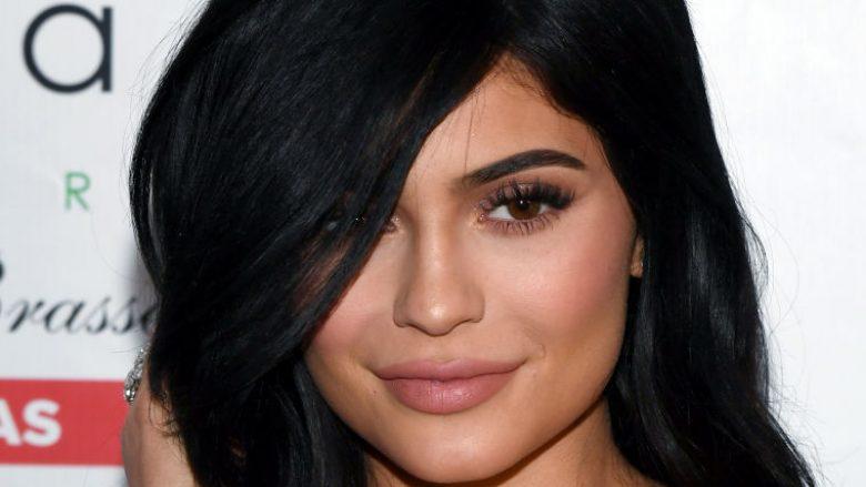Kylie Jenner: Jam viktimë e përqeshjeve që nga mosha nëntëvjeçare