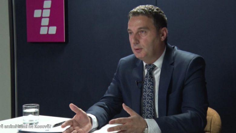 Bytyqi: Shkollat serbe në Kosovë vazhdojnë të funksionojnë me sistemin e Serbisë