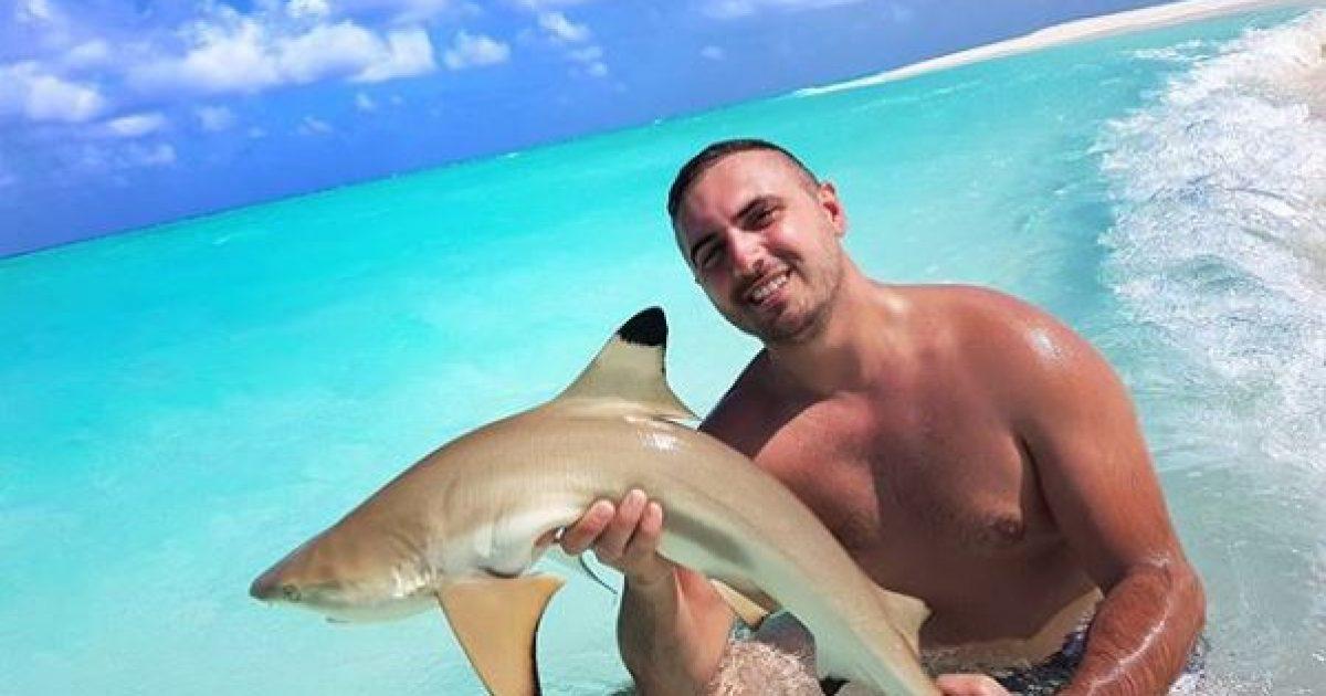 gjiko-prape-ne-telashe-per-kapjen-e-peshkaqenit-i-publikohet-serish-videoja-me-terheqje-verejtje-nga-zhytesi-i-resortit