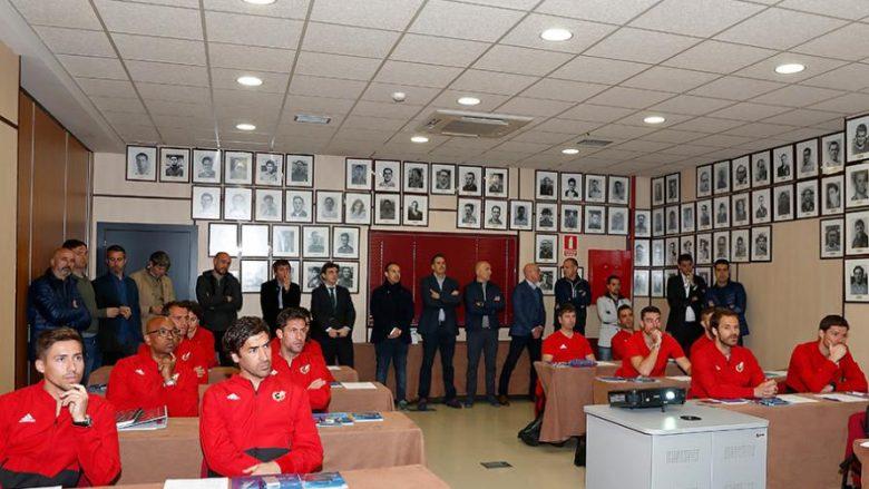 Spanja po e përgatit një brez të rinj trajnerësh –Raul, Valdes, Alonso, Senna e shumë të tjerë fillojnë punën për tu pajisur me licenca